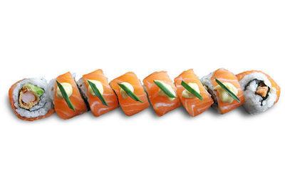 Dragon saumon / beignet de crevette / avocat